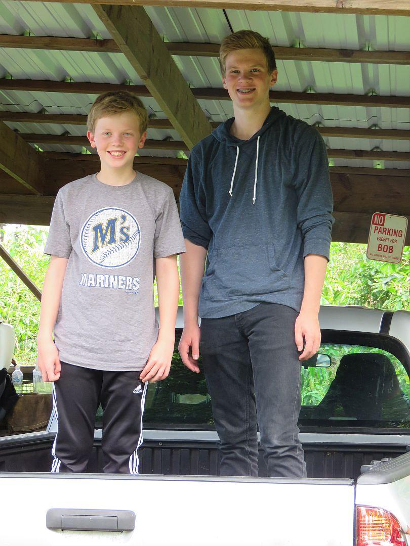 boys-in-truck