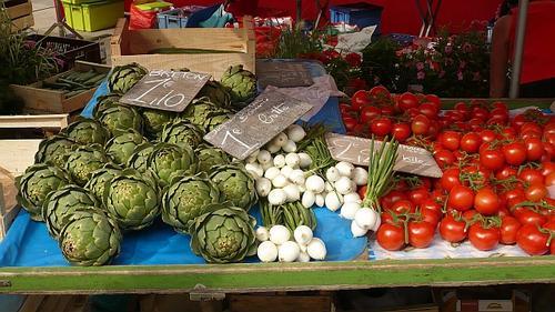 Beaune Farmers market 1