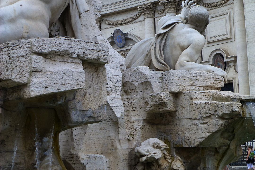 couldnot-get-enough-of-the-bernini-fountain