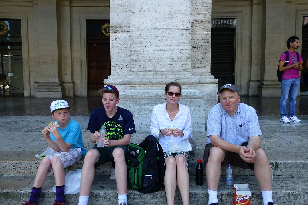 lunch-on-marble-steps