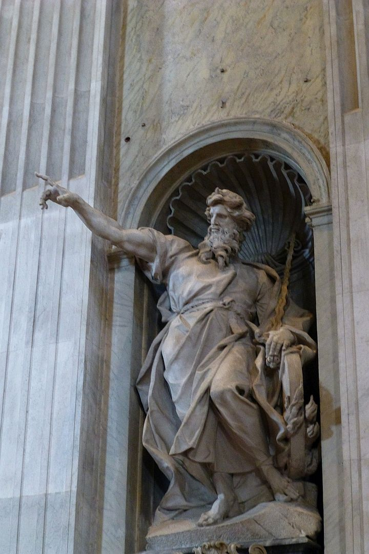vatican-marble-statue-beautiful-folds-in-robe